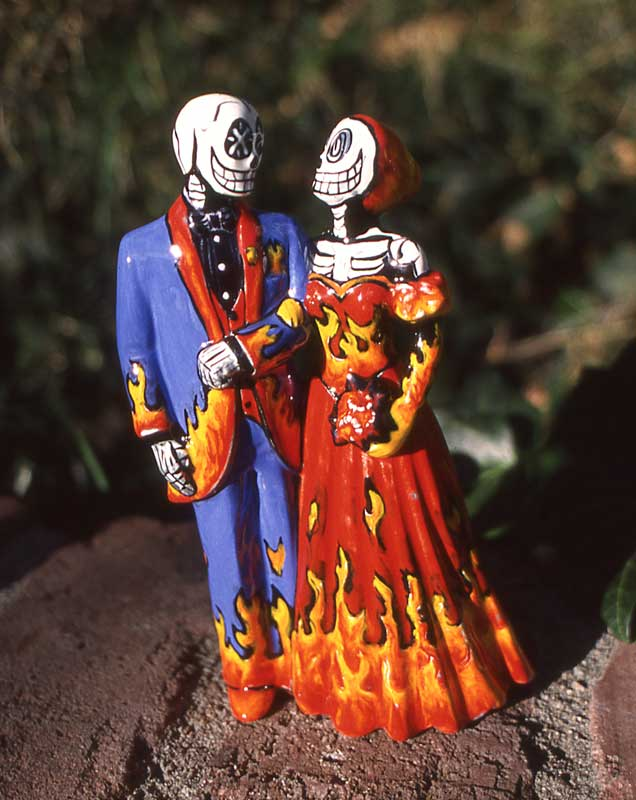 skeleton couple in flames